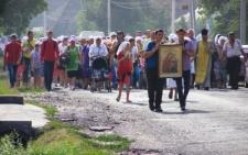 На Буковині віряни пройшли хресною ходою заради миру в Україні (фото)