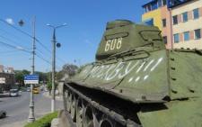 У Чернівцях радянський танк