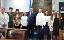 В міськраді нагородили кращих учнів Чернівців (фото)