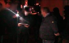 З'явилися фото та відео з місця затримання на хабарі майора поліції на Буковині (фото+відео)