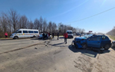 На Буковині зіткнулися дві автівки, постраждали шестеро людей