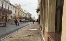 З вулиці Кобилянської у Чернівцях зникла лазерна арфа (фото)