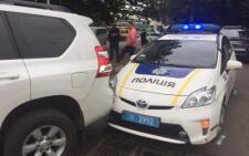У Чернівцях автомобіль патрульної поліції зіткнувся з позашляховиком Toyota Prado (фото)