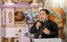 У масштабній ДТП в Чернівцях постраждав відомий буковинський греко-католицький священик Валерій Сиротюк