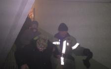 На Героїв Майдану у Чернівцях бомжі підпалили багатоповерхівку (фото+відео)