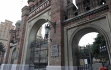 ЧНУ отримає 10 мільйонів гривень на реконструкцію церкви та двору