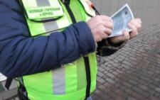У Чернівцях інспекції з паркування хочуть дозволити затримувати автівки