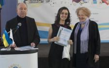11-класниця буковинського ліцею отримала золото за наукову роботу з мовознавства (фото)