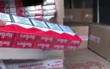На Буковині затримали мікроавтобус, забитий сигаретами (відео)
