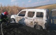 На Буковині посеред поля вщент згоріло авто (фото)