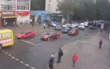 На вулиці Небесної Сотні у Чернівцях зіткнулись ВАЗ та