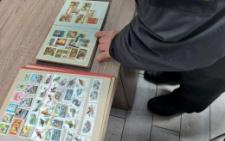 Буковинець намагався вивезти до Румунії колекцію поштових марок