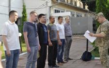 Племінника мера та нового директора Департаменту економіки призвали до війська (фото)