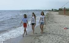 Школярі з буковинського містечка Вижниця разом зі своєю вчителькою відпочили на Азовському морі (фото+відео)