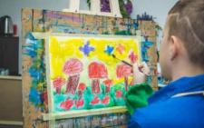 В Італії відкрили виставку малюнків буковинського хлопчика-аутиста
