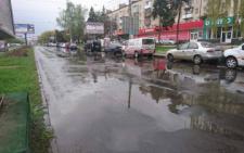 Чернівчани вимагають невідкладного капітального ремонту проспекту Незалежності