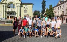 29 дітей з Буковини вирушили на відпочинок до літнього табору в Молдову (фото)