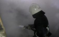У Чернівцях на пожежі небайдужі та рятувальники врятували безхатька