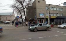 В Кіцмані на пішохідному переході авто збило школярку (фото)