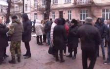У Чернівцях активісти вийшли на пікет до ОДА на підтримку Саакашвілі