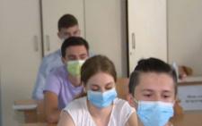 На Буковині двох учнів не допустили до ЗНО з української мови та літератури через підвищену температуру