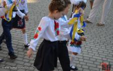 Чернівчани хочуть заборонити чиновникам та депутатам іти до шкіл 1 вересня